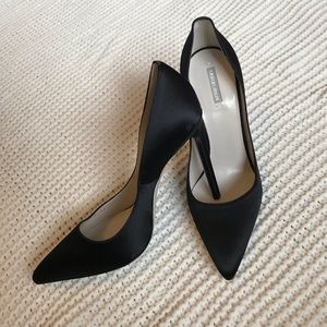 Giorgio Armani Satin pointed toe stiletto Pump 38